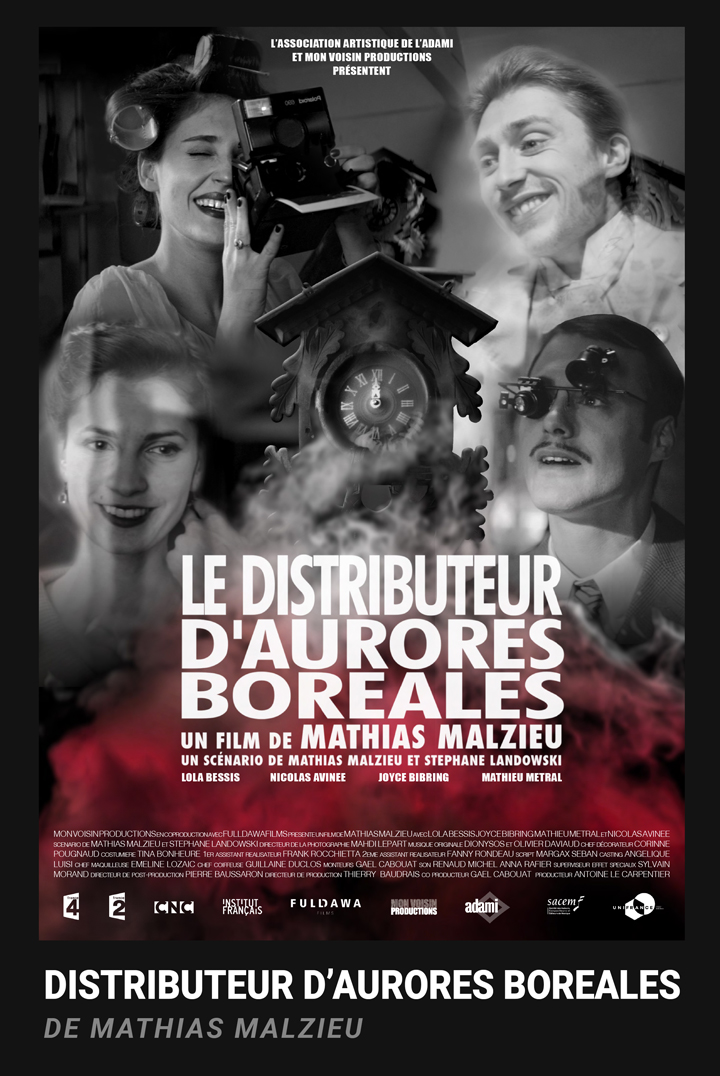 LE DISTRIBUTEUR AUTOMATIQUE D'AURORES BORÉALES